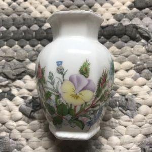 Aynsley fine bone China small vase